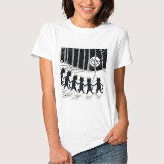 Full moon and Cats, Louis Wain T-shirts