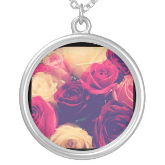 Full of Roses Necklace