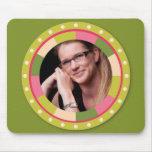 Fun Circle frame - pink leaf on green Mousepad