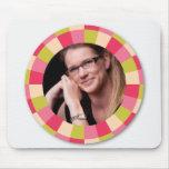 Fun Circle frame - pink leaf on light Mousepad