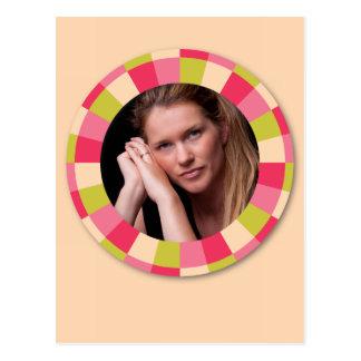 Fun Circle frame - pink leaf on light yellow Postcard
