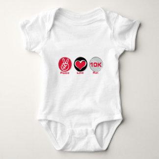 Funcionamiento 10K del amor de la paz Camiseta