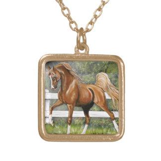 Funcionamiento árabe del caballo de la castaña collar
