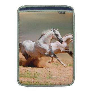 funcionamiento de dos caballos blancos funda macbook air