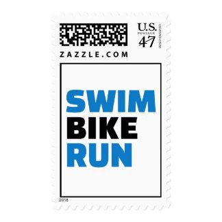 Funcionamiento de la bici de la nadada estampillas