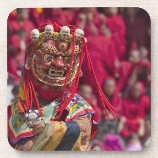 Funcionamiento de la danza de la máscara en el fes posavaso