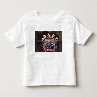 Funcionamiento de la danza de la máscara en el t-shirts