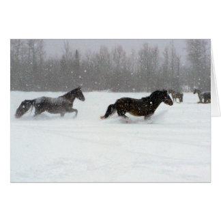 Funcionamiento en la nieve tarjeta de felicitación