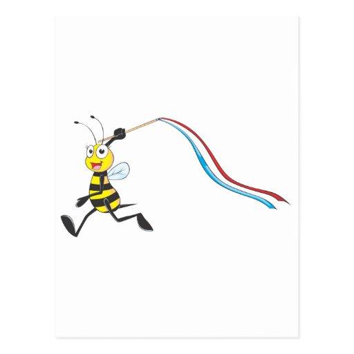 Funcionamiento feliz de la abeja de la hermana tarjetas postales