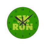 Funcionamiento verde 5K de la primavera Relojes