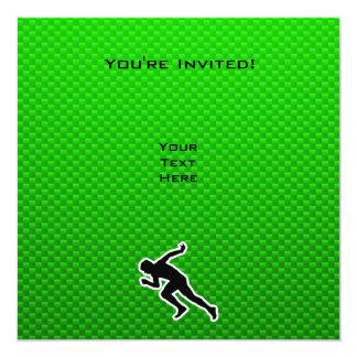 Funcionamiento verde invitación 13,3 cm x 13,3cm