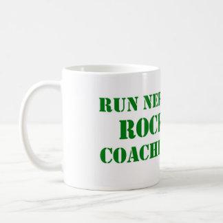 Funcione con la taza de café de la roca de los