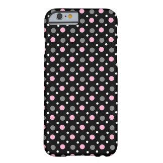 Funda negra de móvil con rosa puntos