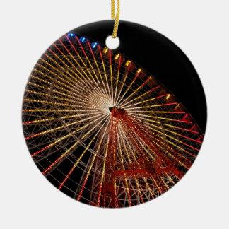 Funfair Night.jpg de la rueda grande Adorno Redondo De Cerámica