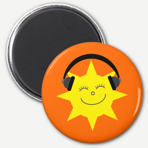 Funky DJ smiling sun orange magnet