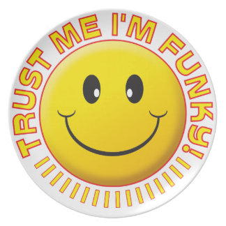 Funky Trust Me Smile Party Plate