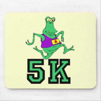 Funny 5K alien running Mousepads