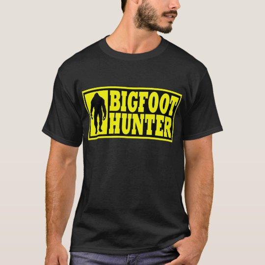 Funny BIGFOOT HUNTER Shirt - Finding Bigfoot Gear