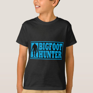 Funny BIGFOOT HUNTER Shirt - Finding Bigfoot Gear
