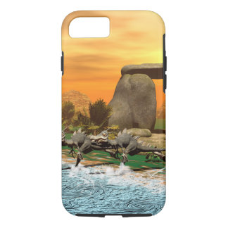Funny dinosaur running on the beach iPhone 7 case