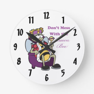 funny dont mess with the queen bee design round clock