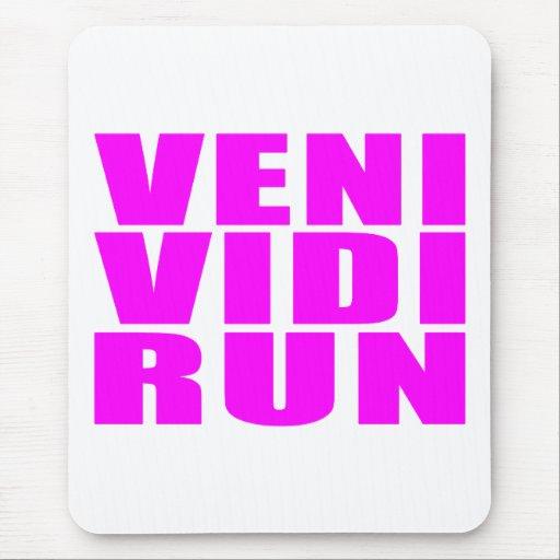 Funny Girl Running Quotes : Veni Vidi Run Mouse Pad