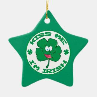 FUNNY GREEN KISS ME I'M IRISH CLOVER CARTOON SAYIN CHRISTMAS TREE ORNAMENTS