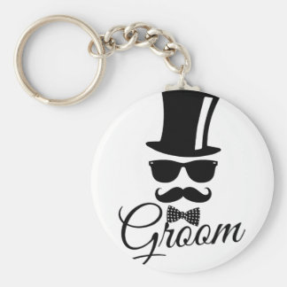 Funny groom basic round button keychain