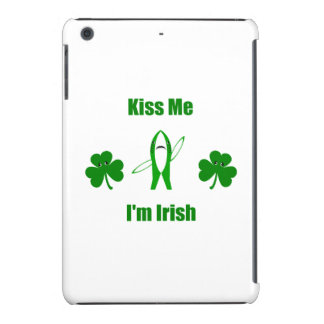 "Funny ""Kiss Me I'm Irish"" - Left Shark & Shamrocks iPad Mini Case"