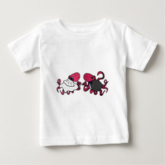 Funny Octopus Bride and Groom Wedding Art T-shirt