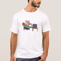 Funny Pig Using Ham Radio T-Shirt
