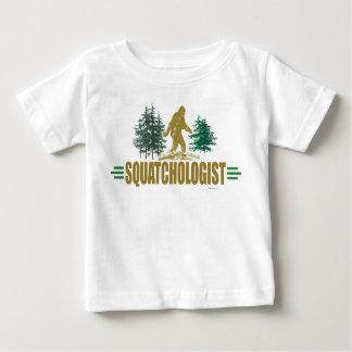 Funny Sasquatch Hunter T-shirt
