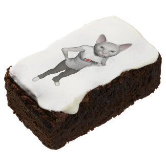 Funny White Siamese Cat Loves Mice Brownie