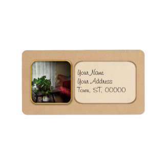 Furniture - Ivy in a window Label