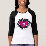 Fuschia gótico lindo estupendo del negro del coraz camisetas