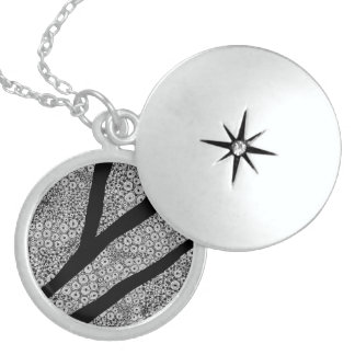 fusion_cell round locket necklace