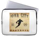 Fútbol 1899 de Iowa City Iowa Funda Computadora