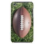 Fútbol americano en hierba barely there iPod carcasa