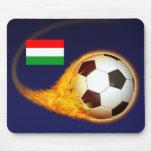 Fútbol ardiente de Hungría Tapete De Raton