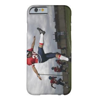 Fútbol de retroceso con el pie 2 del futbolista funda barely there iPhone 6