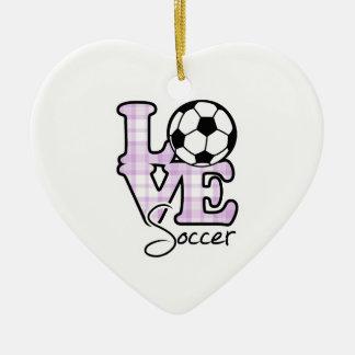 Fútbol del amor adorno navideño de cerámica en forma de corazón