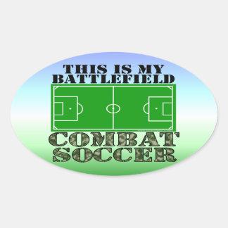 Fútbol del combate pegatina ovalada