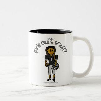 Fútbol del negro oscuro taza de café de dos colores
