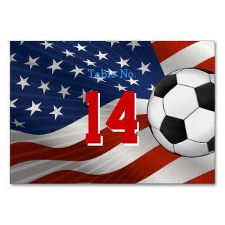 Fútbol del número de la tabla en bandera de los E.