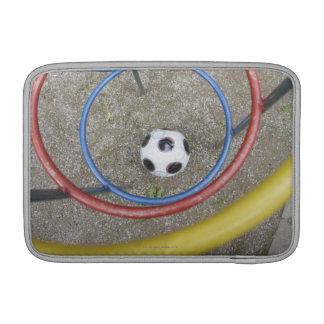 Fútbol en patio fundas macbook air