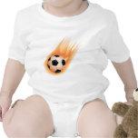 fútbol, fuego del balón de fútbol camisetas