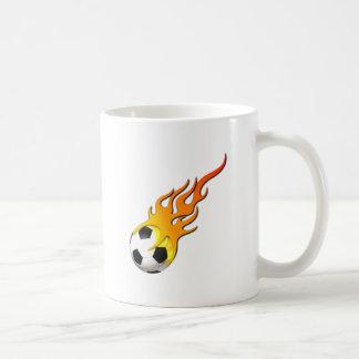 Fútbol fuego llama soccer concentras fire flames taza básica blanca