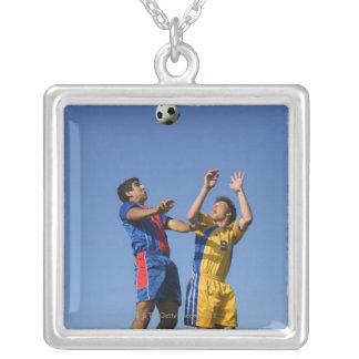 Fútbol (fútbol) 2 collar plateado