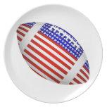 Fútbol inclinado con el diseño de la bandera ameri plato
