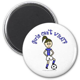 Fútbol para mujer ligero en uniforme del azul imán redondo 5 cm